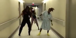 Pregnant mom dancing to Watch me Whip